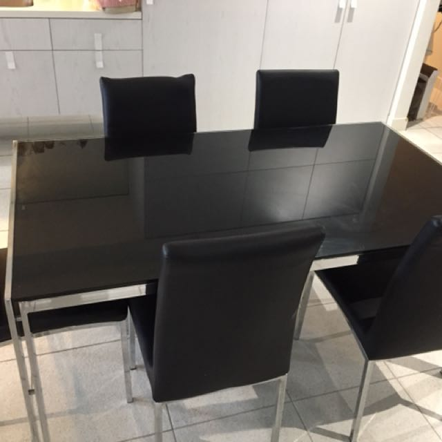 Black mirror glass dining table + chairs