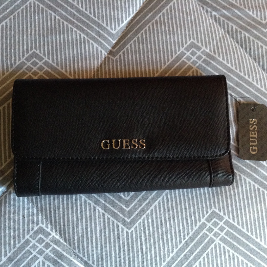 BNWT Guess wallet