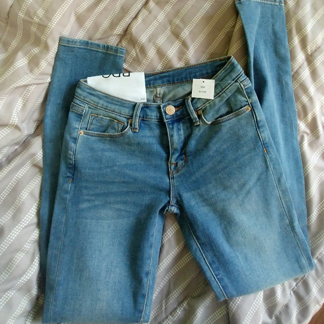 BNWT Urban outfitters BDG mid rise skinny jeans w25