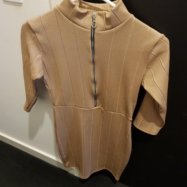 Boohoo bodycon dress size s