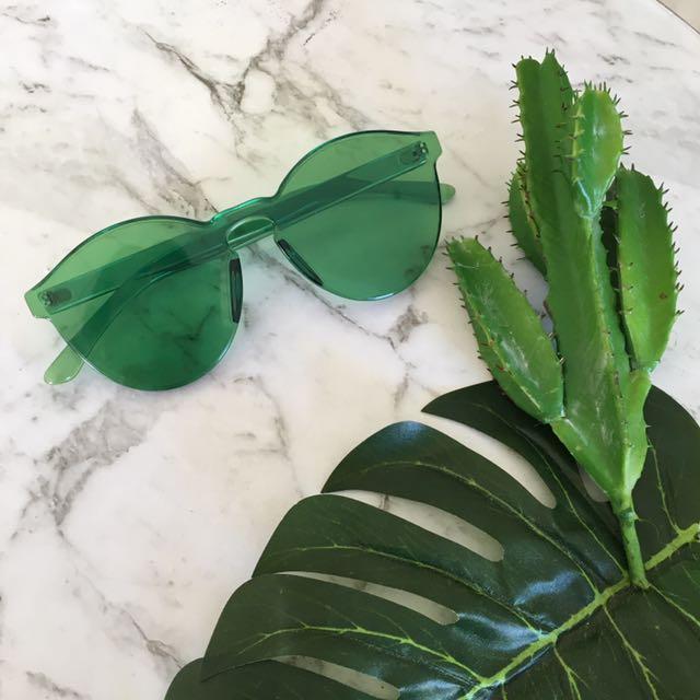 Bottle Green Sunglasses UV400