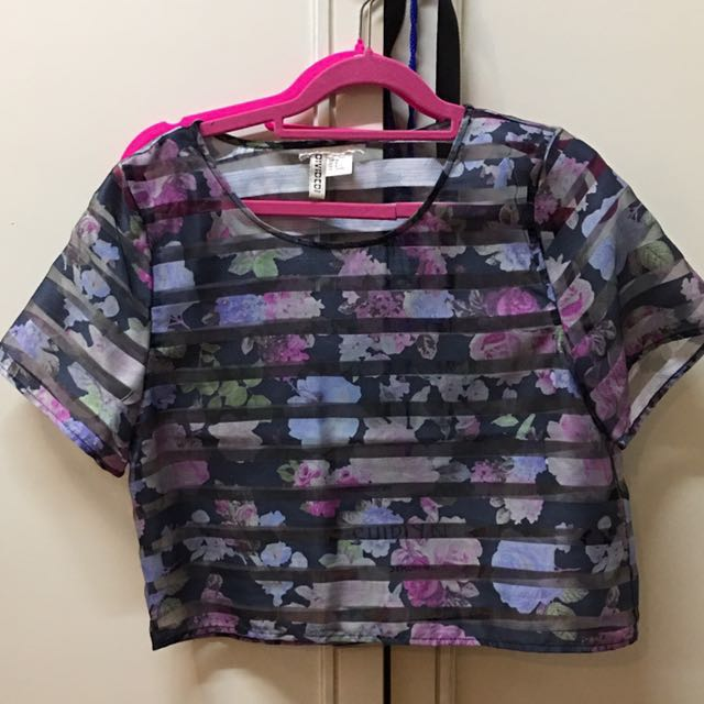BRAND NEW H&M sheer blouse (size M)