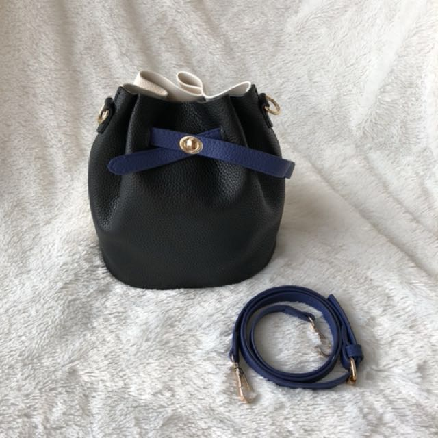 Bucket bag - mansur gavriel look alike, leather, navy and tan colour