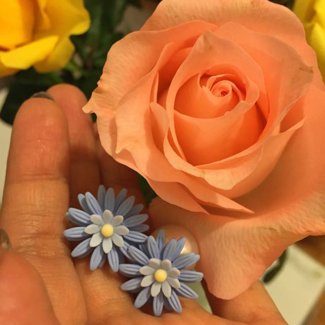 Dior style flower earing