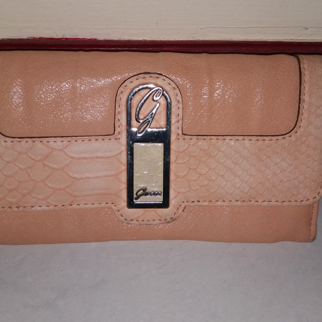 Dompet Guess Preloved 6d2893aa51