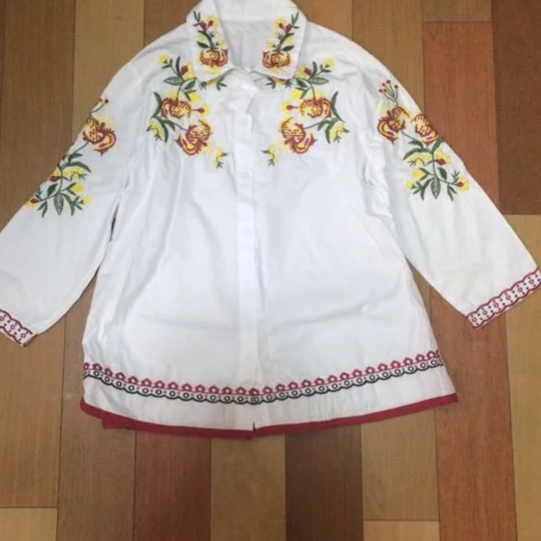 Embroided Polo / blouse