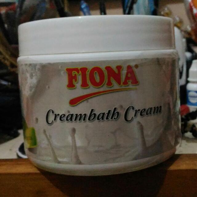 Fiona Milk Creambath Dan Wardah Facial Scrub