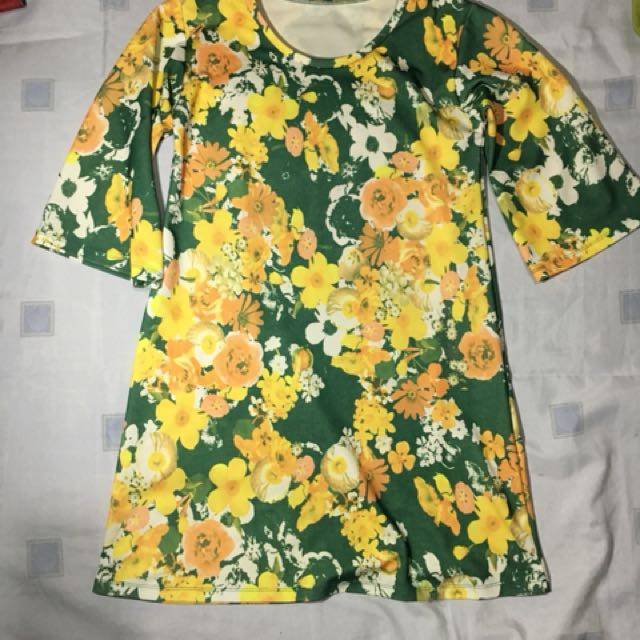 Floral Dress Free size (Fits up to Large)