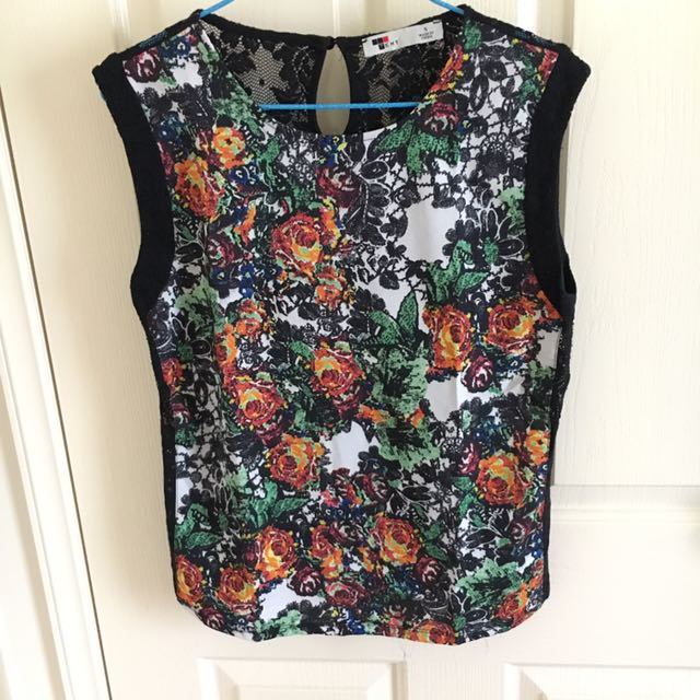 Flower short sleeve with lace