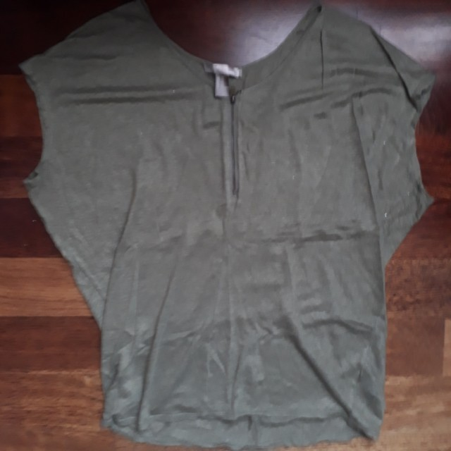 Forever 21 army green zip shirt