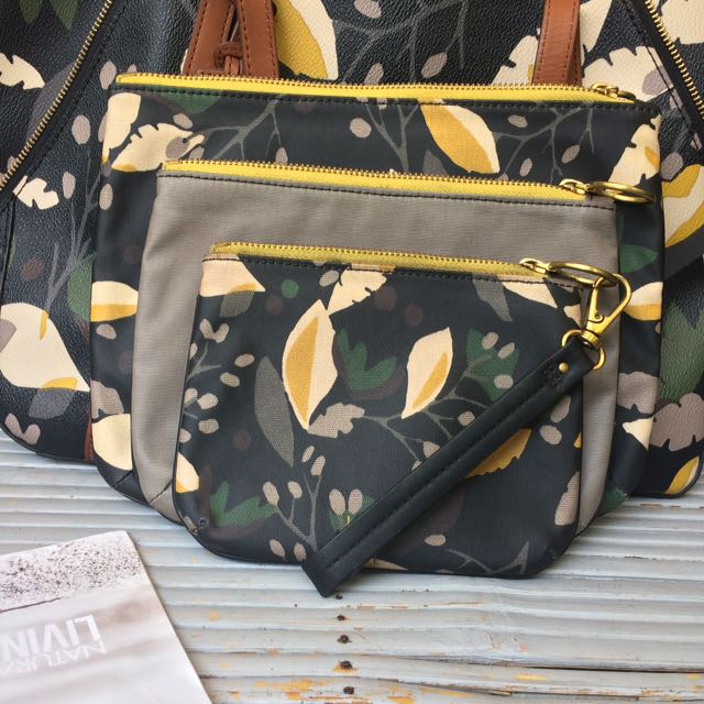 Fossil Pouch Ava Flower Black