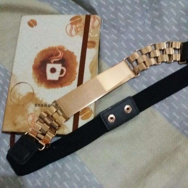 Gold belt preloved
