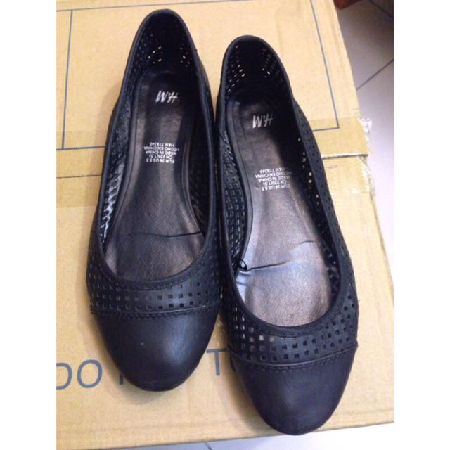 H&M 鏤空方塊洞洞娃娃鞋包鞋 36