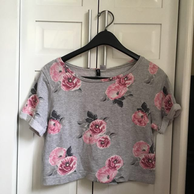 H&M DIVIDED Floral Cropped Top