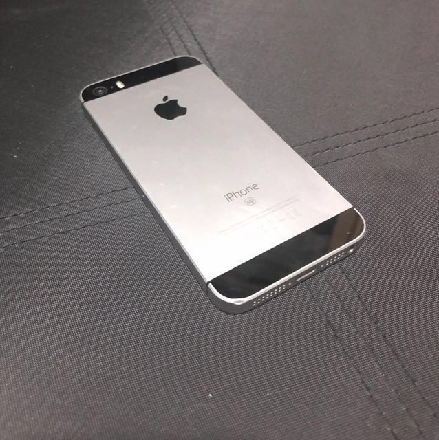 Iphone SE 16GB Black[w/ charger]