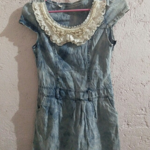 Maong dress with pearls