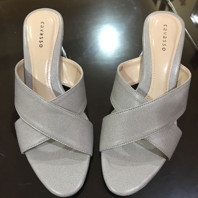 mid heels cavasso, no deffect.