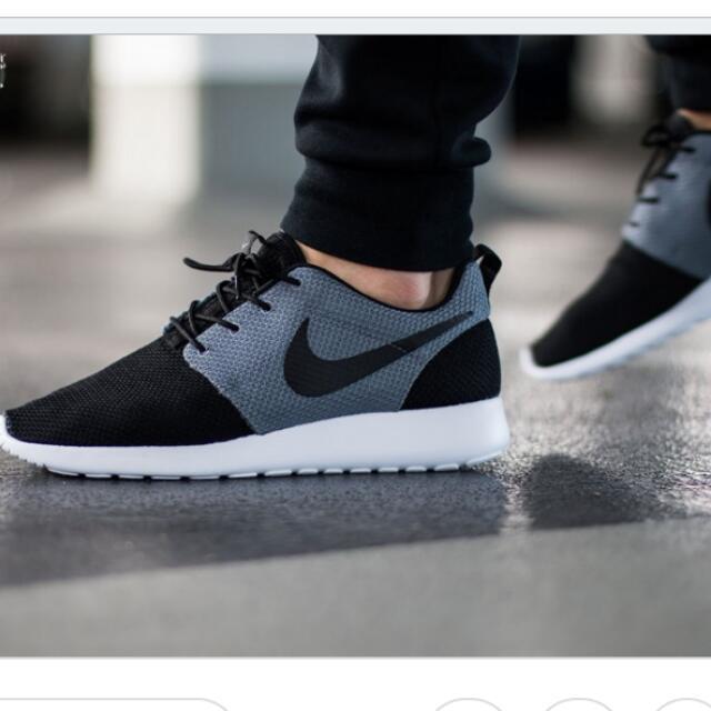 Nike Roshe Run 黑灰拼接 跑鞋 Us10.5 28.5cm