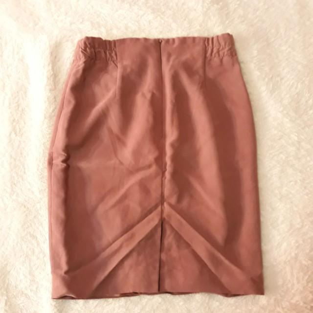 Old rose pencil cut skirt