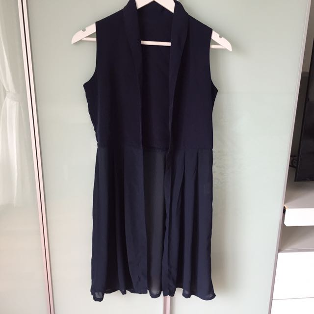 Outer Navy Blue good condition (Fit to S) Length: 85cm
