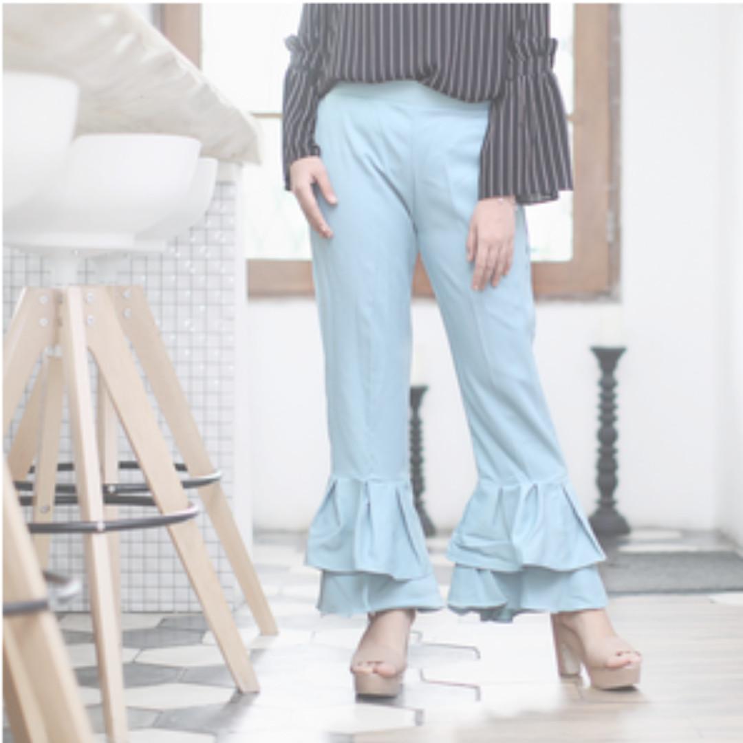 Pants in sky blue
