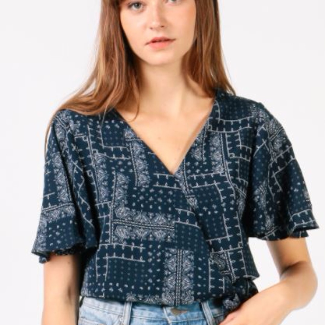 Printed Bow Side Wrap Top (Printed/Navy)