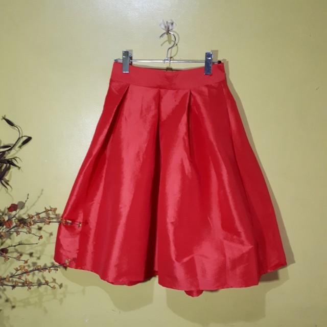 Red bubble midi skirt