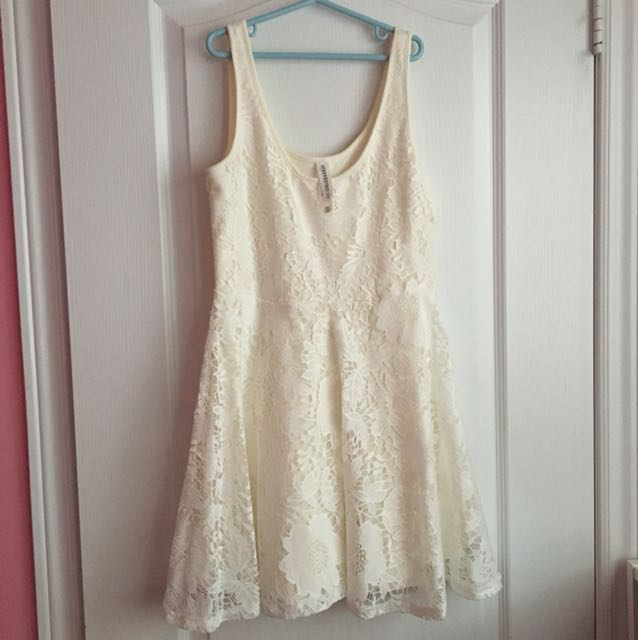 *REDUCED* White Lace Aeropostale Dress