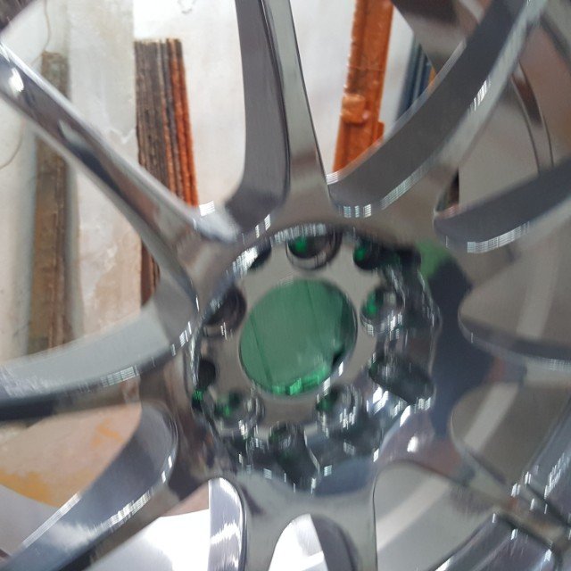 Selling a set of chrome rims
