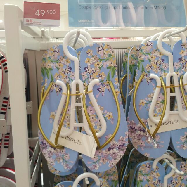 Sendal Jepit Miniso Blue Sakura Pattern Gold Strap Slipper