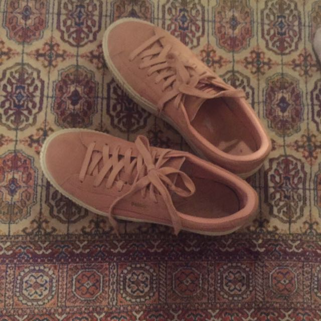Size 40 pink puma sneakers