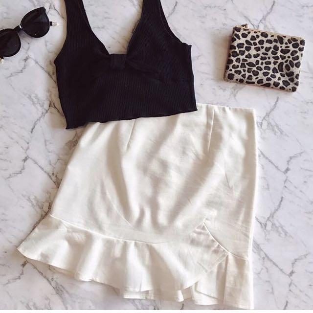 Skirt: Black, White, Yellow