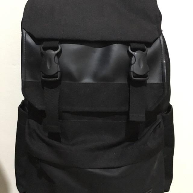 3afe6dba83f Tas Ransel FILA Backpack Hitam/Black (Original 100%), Men's Fashion, Men's  Bags & Wallets on Carousell