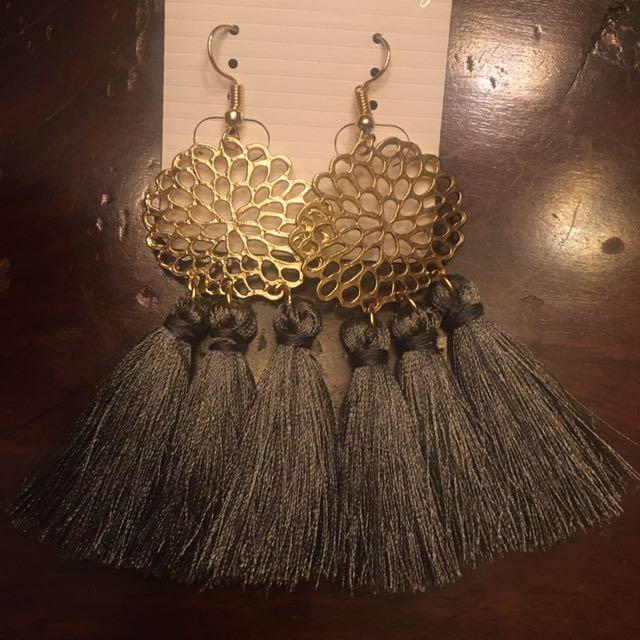 Tassel Earrings Gray