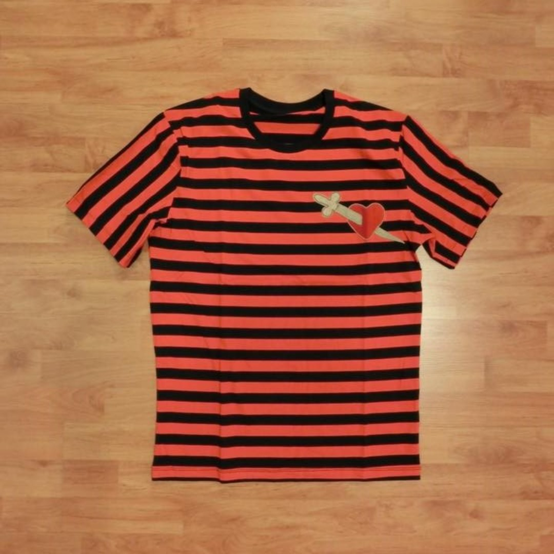 e5ee00a3a [INSTOCK] UA Gucci Heart Dagger Striped T-Shirt, Men's Fashion, Clothes,  Tops on Carousell