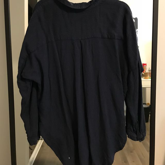 URBAN OUTFITTERS OVERSIZED NAVY STRIPPED SHIRT