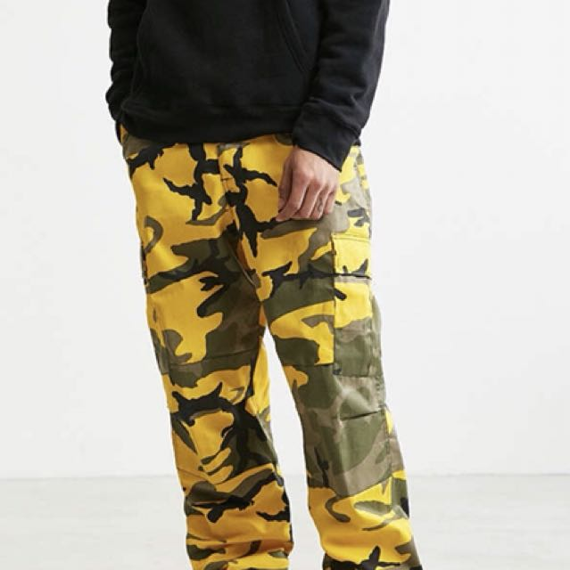 URBAN OUTFITTERS-ROTHCO CAMO