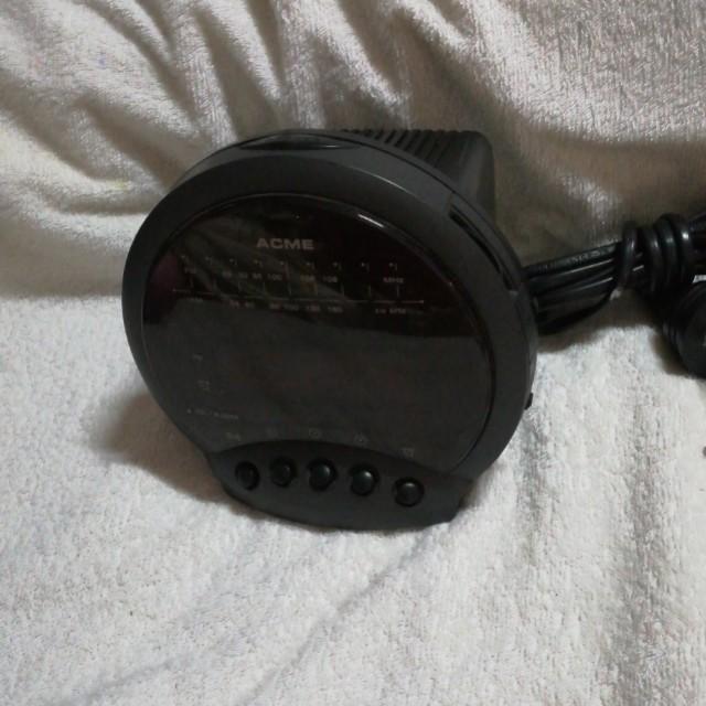 Vintage Acme Digital Alarm Clock Radio