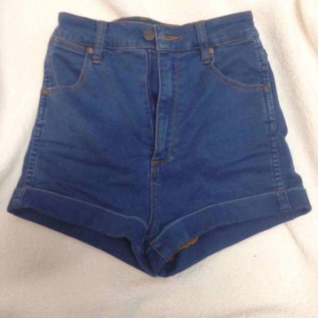 Wrangler blue denim jeans shorts size 8
