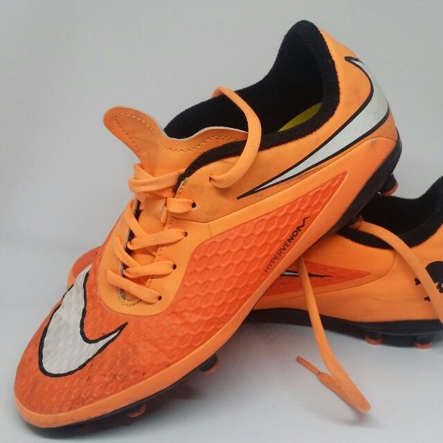 5c68d8990 Youth size Nike hypervenom