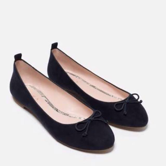 Zara TRF flat shoes navy