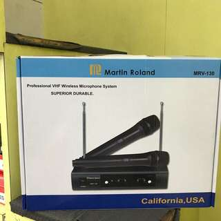 Christmas special Martin Roland MRV-130 wireless mic