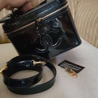 Chanel Vanity Case black patent leather ghw #4 with holo, card, padlock, key, strap abd replacement dustbag