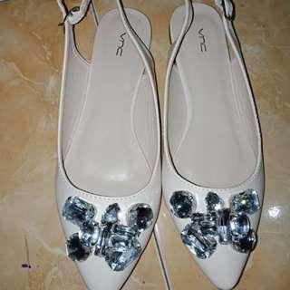 Flat shoes masih baru bli di carousell jg.. Dijual karena kurang cocok warna nya