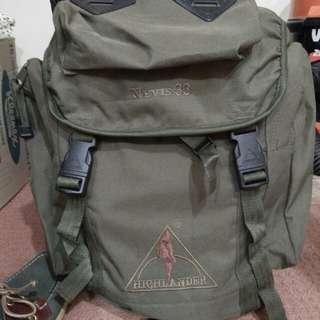 HIGHLANDER NEVIS 33 hiking bag