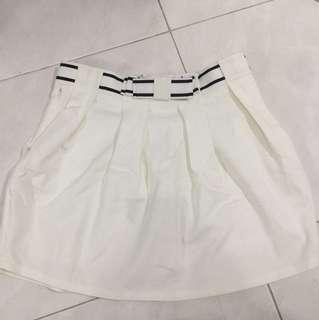 rok mini putih