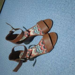 Sale!!!!!Excellent Condition Shoes Wear Just Twice Size 6