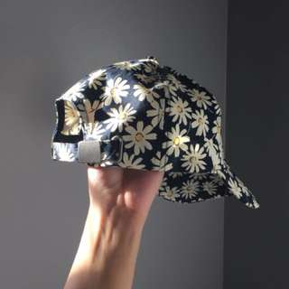 Paisley/ Daisy Print Baseball Hat