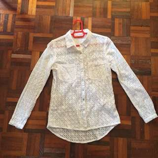 Seethrough white blouse with embroidered pattern