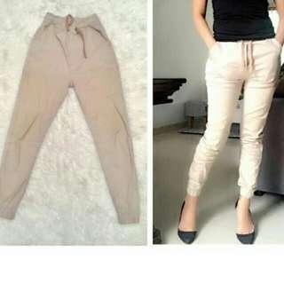 Jogger pants by nuddie
